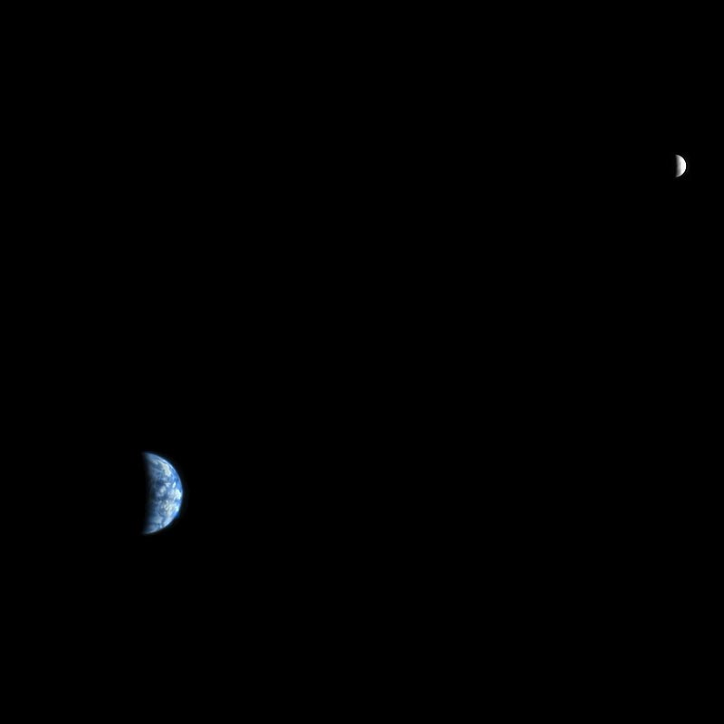 Earth-and-moon-from-Mars-for-Verglas-Media_blog